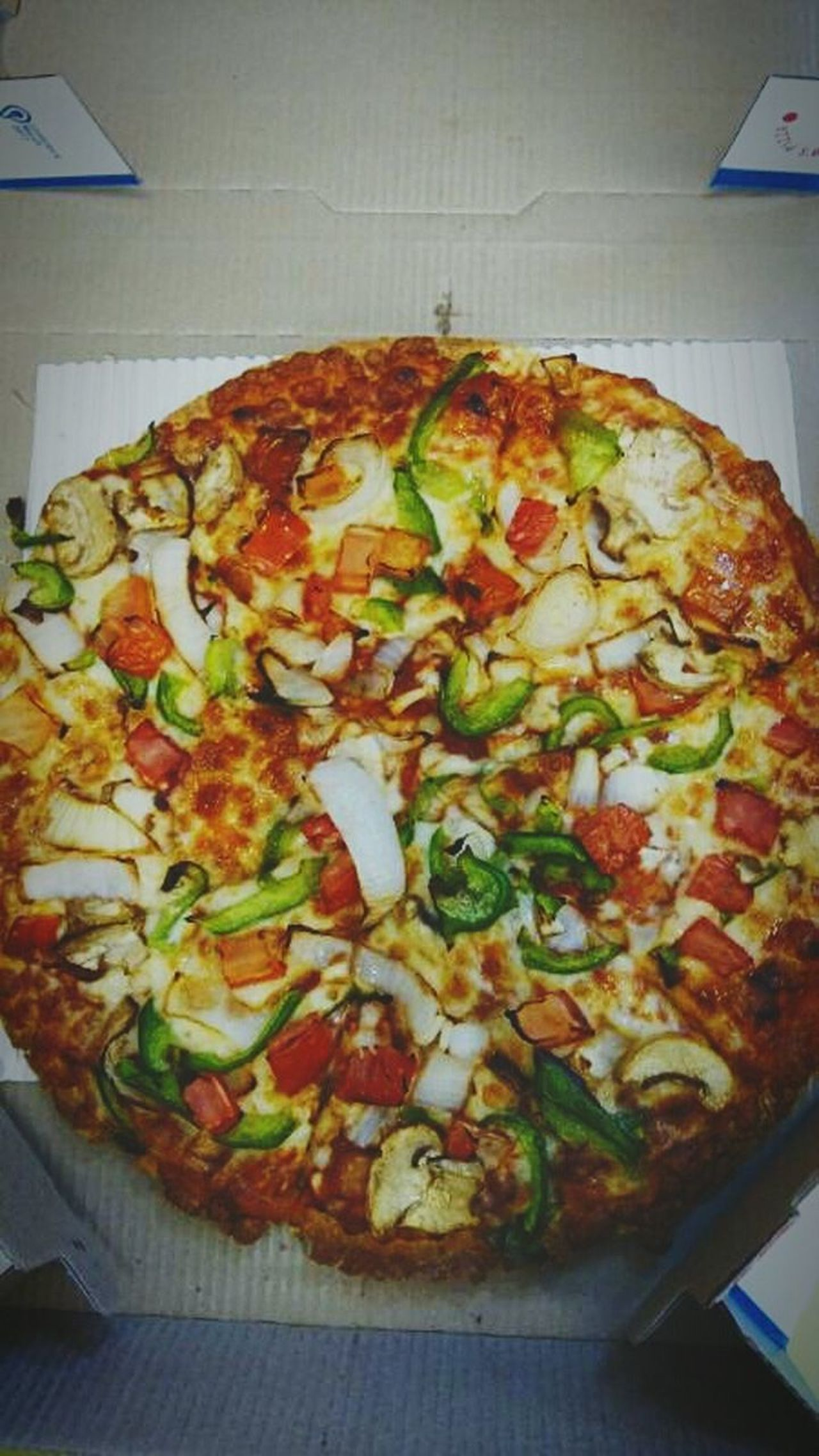 Food Pizza Indoors  Ready-to-eat Freshness High Angle View No People Close-up Unhealthy Eating Fast Food At My House <3 Liketeam Follow Me :) Filterphotography Follow Like Comment EyeEmNewHere Keys Of Life Long Goodbye EyeEm Diversity