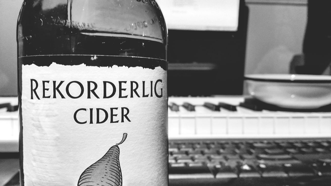 Some refreshing Rekorderlig to finish the day.... Alcohol Rekorderlig Beverage Cider Sweden Swedish Ale Blackandwhite First Eyeem Photo