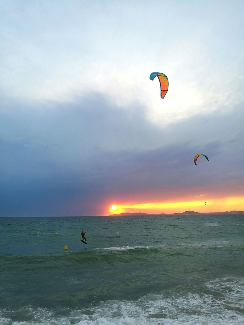 Romantic Sky Landscape Outdoors Flying Leisure Activity Sea Kitesurfing Kytesurf Sunset Marseille Cloud - Sky