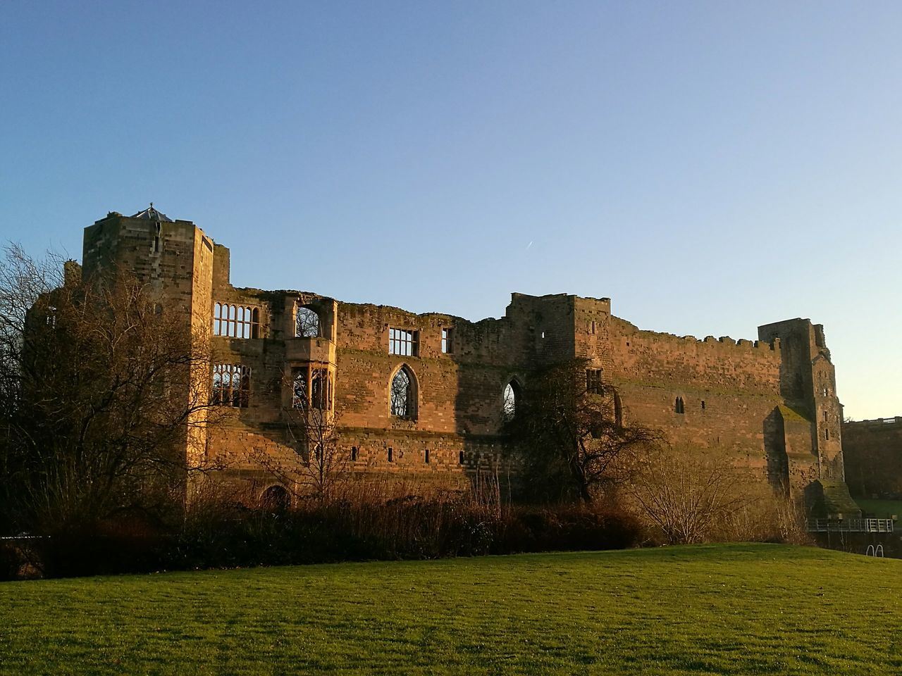 Architecture Ruins Winter Beautiful Place Castle Ruin Newark Castle No People Cultures Grass Outdoors History Architecture The Past Sky Old Ruin Day War Wonderlust Magic Hour & Weather Magic Hour Romantic