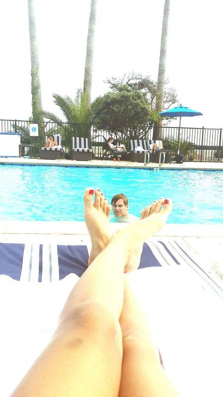 Beautiful Sunday Beachlife By The Pool..