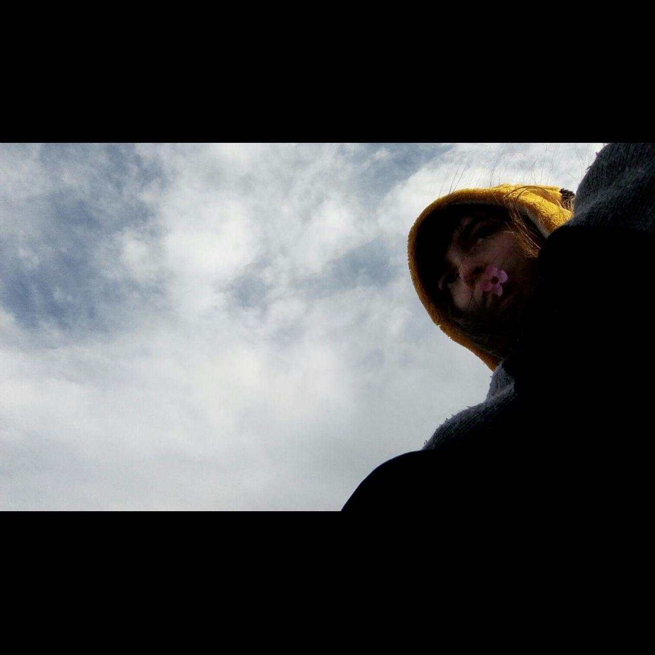 One Person Real People Cloud - Sky Sky Day Outdoors Mylove Mi Amor Amor Love Couple Relationship Inlove Hermosa Beatiful Flower Flor Pikachu Long Goodbye EyeEmNewHere Resist EyeEm Diversity The Secret Spaces Neighborhood Map Visual Feast The Portraitist - 2017 EyeEm Awards The Street Photographer - 2017 EyeEm Awards