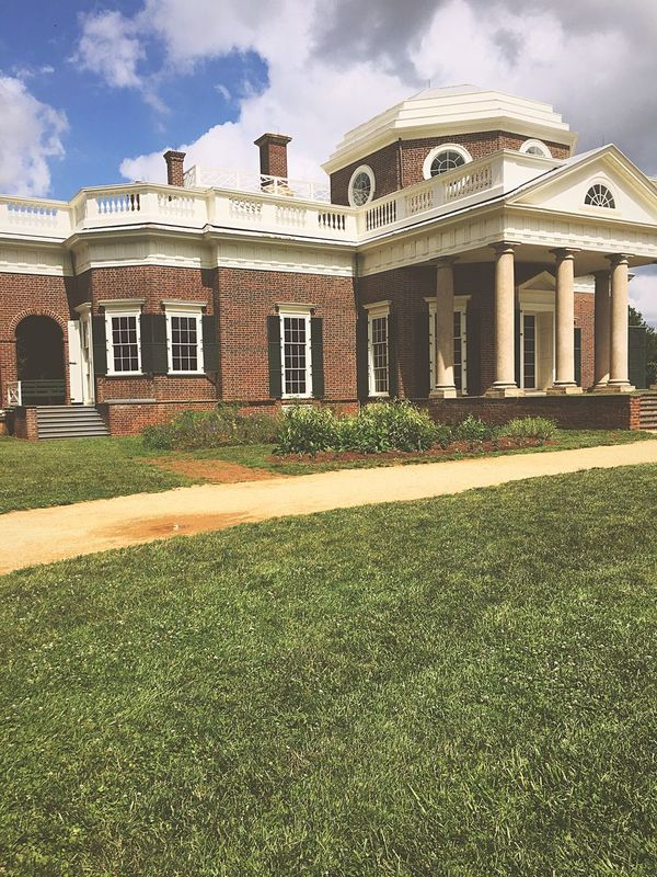 Monticello Thomas Jefferson Nickel Backofthenickel Built Structure Grass Building Exterior Lawn House Façade Luxury Residential Building Sky Outdoors Day Fame Tourism Travel Destinations Old Buildings History Dctrip2017 President Adventure Beauty In Nature Sombrebeings