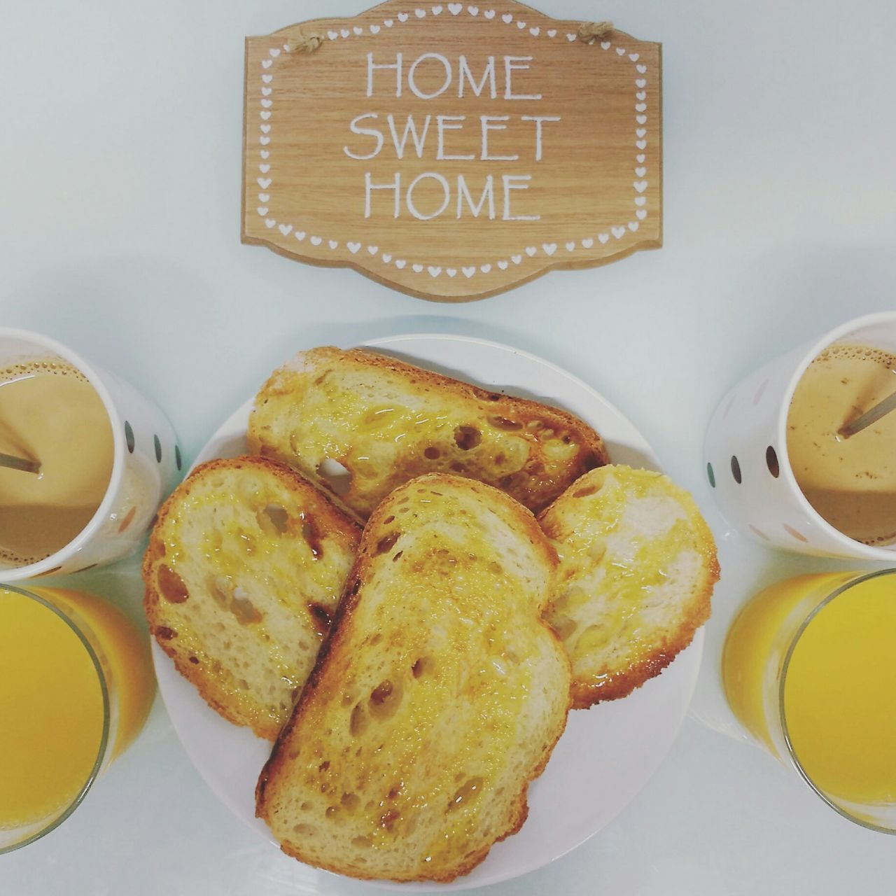 It's time to breakfast! Breakfast BreakfastTime  Homesweethome Littledetails Madewithlove Toastbread Coffe Coffee Time Orangejuice