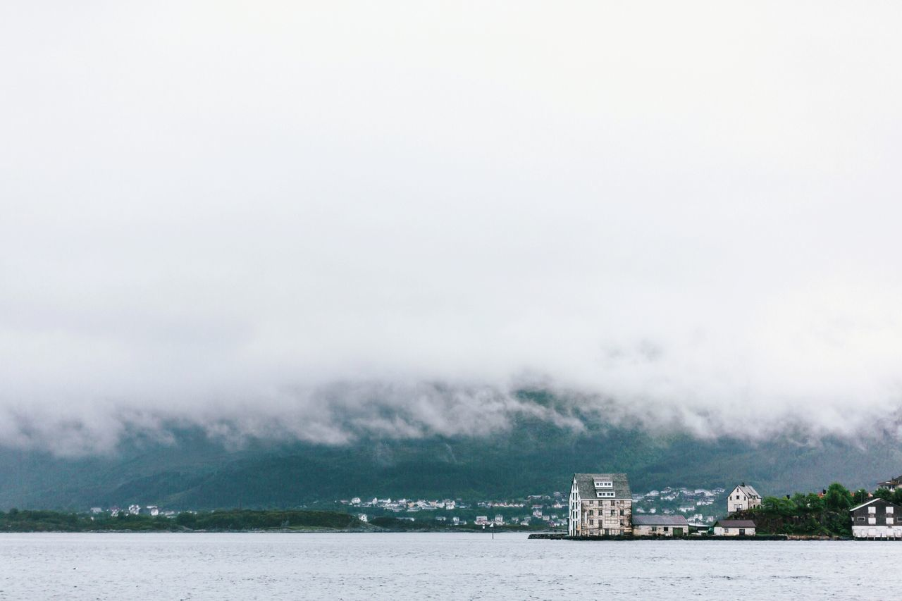 Norway Norvège  Noruega Norwegian Aalesund Aalesund, Norway Fog Foggy Cloud Clouds Lowclouds Low Clouds Moody Moody Weather Scandinavia Scandinavian Minimalmood Minimallandscape