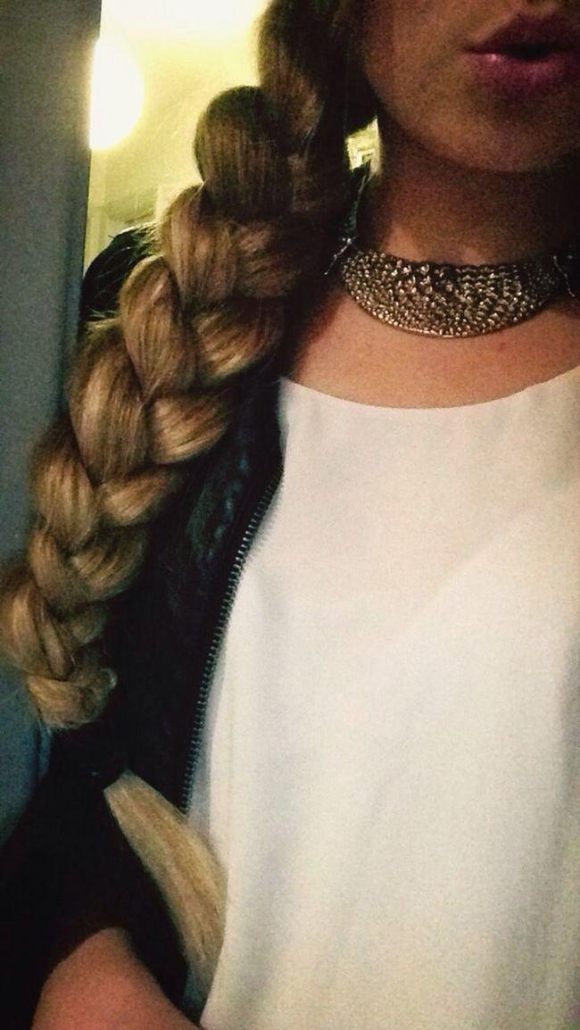 Mac Makeupac makeup long hair