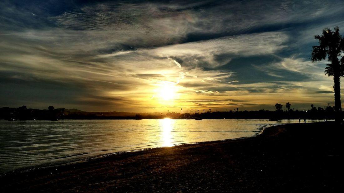 Lakehavasu Sunsets Beautiful Prettybynightuglybyday Itsatrap