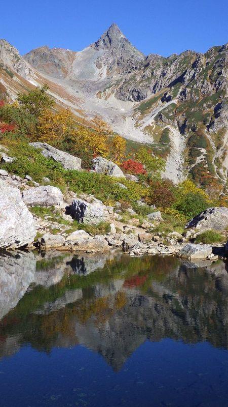 Sakasa-Yari at Mt.Yarigatake tenguike pond 槍ヶ岳 天狗池 氷河公園