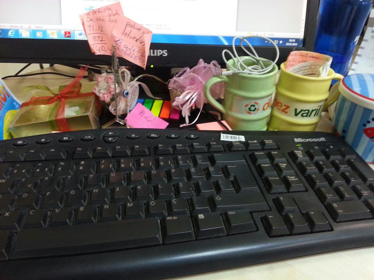Pek duzenli ol/masamda isimi seviyorum :)