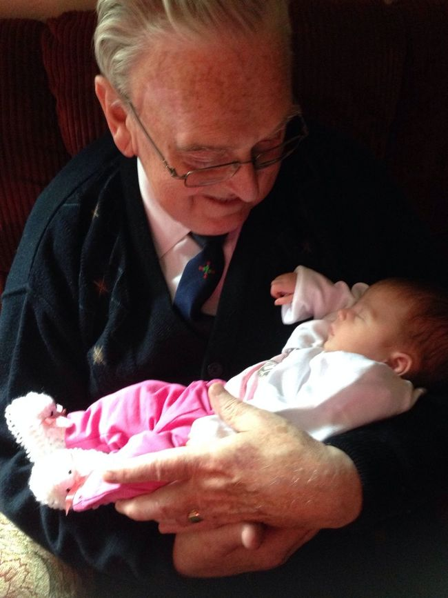 Lucy and her great grandad Hello World Relaxing Love ♥ Family