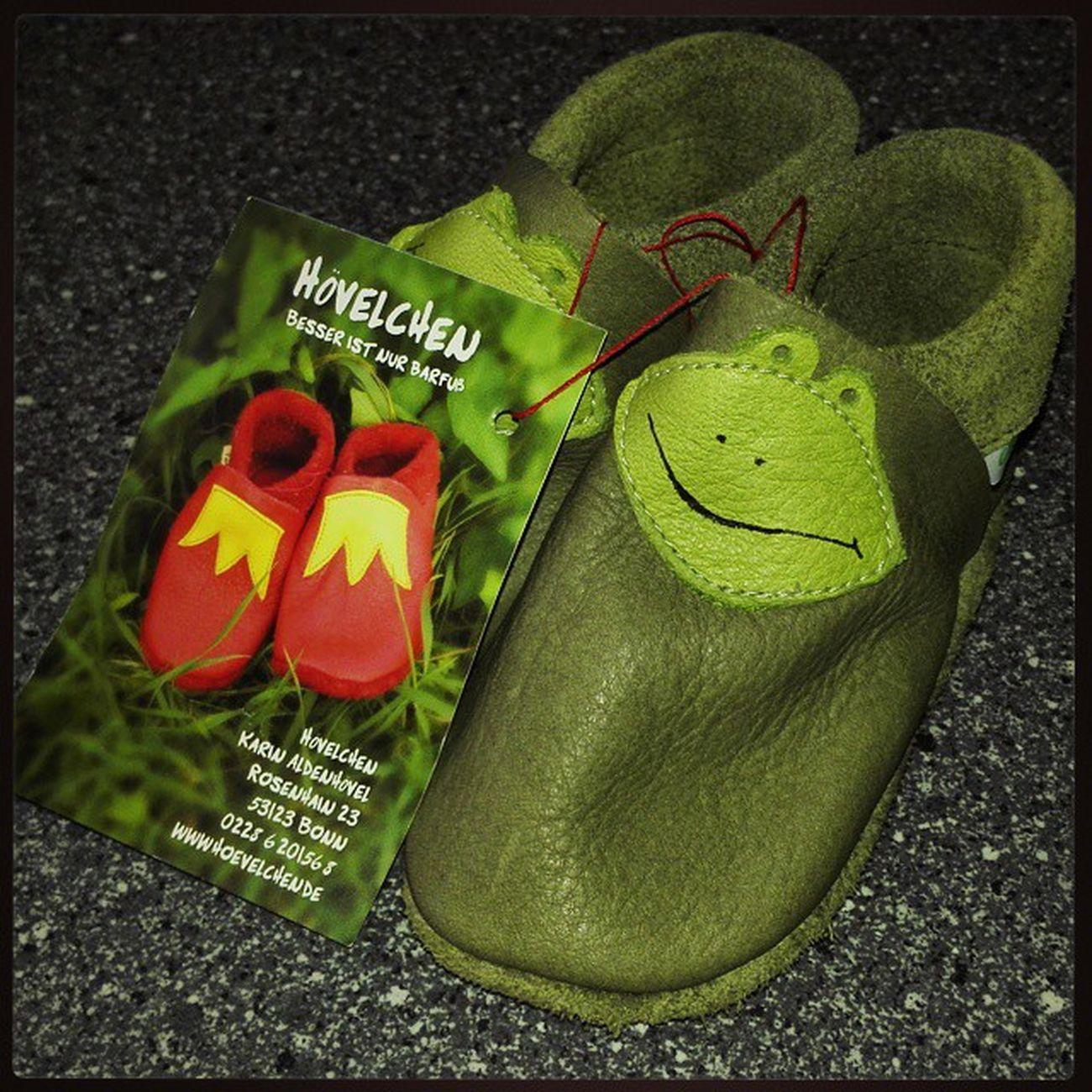 Wie gesagt tolle Dinge gab es auf dem Flachsmarkt . Zum Beispiel süße Schuhe aus unbehandeltem Leder für meinen Neffen Ben. 😊 Handarbeit Linn LinnerBurg BurgLinn Krefeld KrefeldLinn nrw deutschland niederrhein