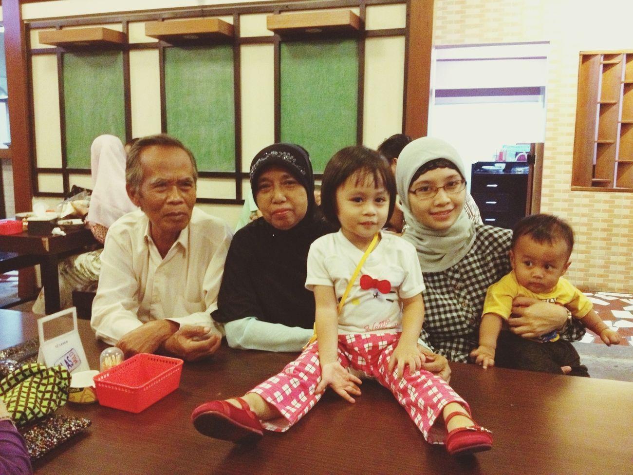 family dinner (malam takbiran 1434H - 06 Aug 2013) Eating Family Love Dinner