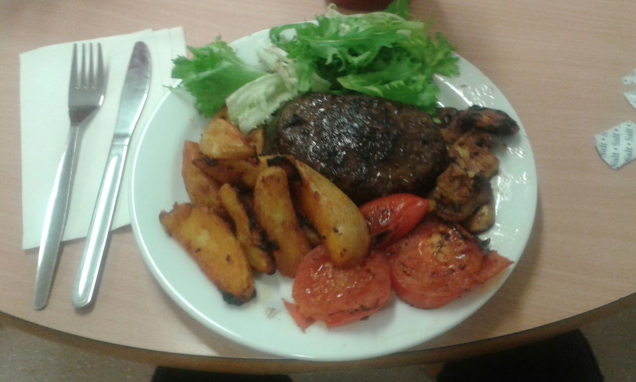 Home Cooked peppered steak mushrooms tomatoes wedges and weird lettuce Food Porn Razorspics Stinger11th Dinner Time Uk Check This Out Eyeemers Relaxing Hello World Enjoying Life