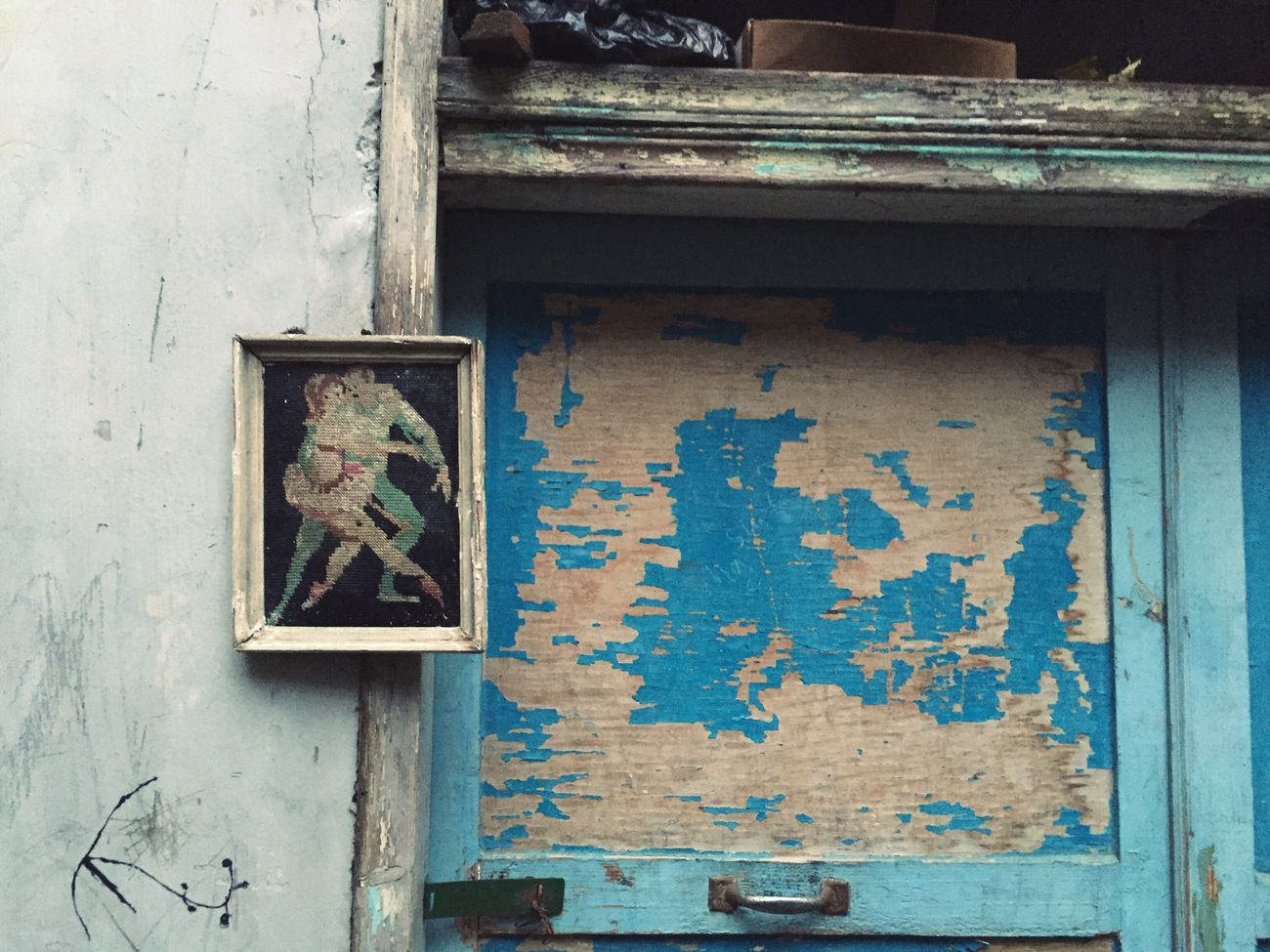 Tourism in Tyr Lebanon Frame Art ArtWork Street Art Art And Craft Streetphotography Streetphoto_color Door Dance Dancing Dancers Lebanon Sidon Blue Wood Old Town