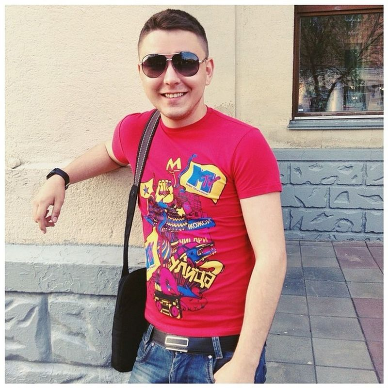 Good evening, everyone! :) Instaboy Red Newhairstyle Mtv sunglasses instalike follow like photooftheday russia siberia kemerovo