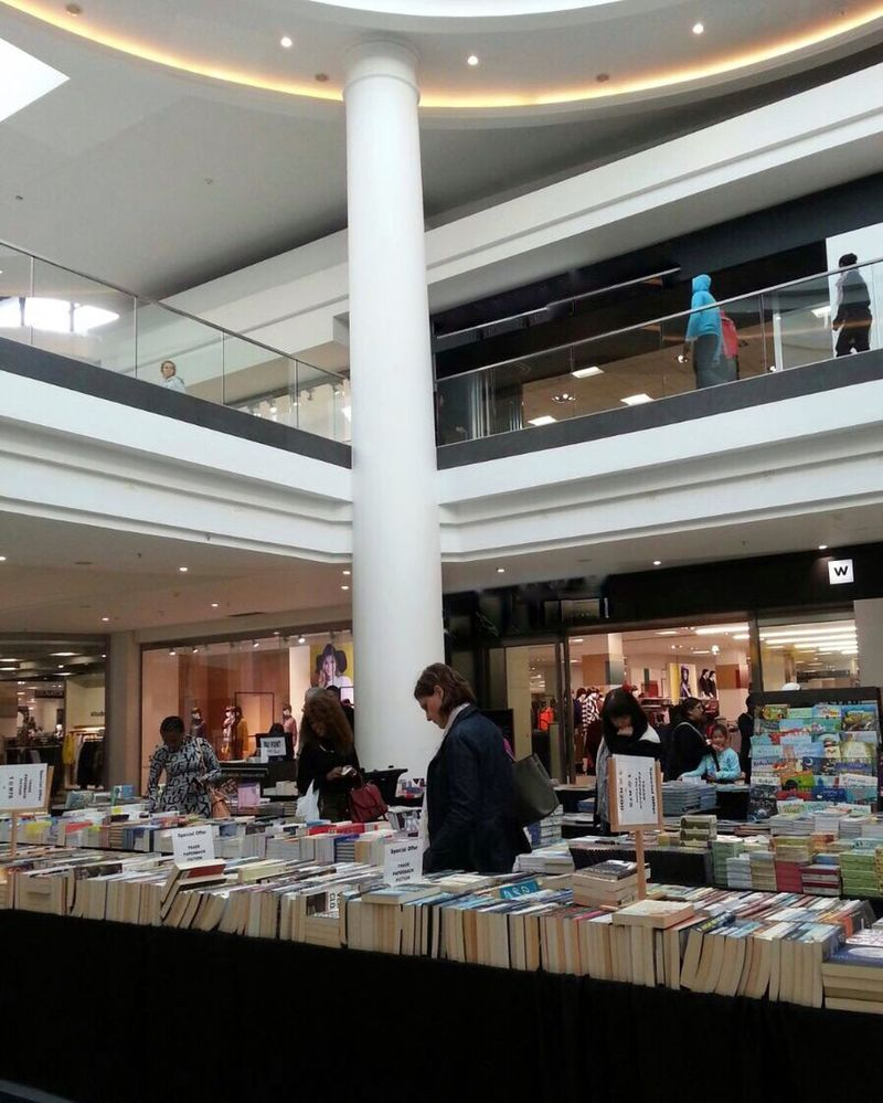 Live Love Shop Book Sale Shopping Mall Random People Indoors  Daytime Shops Browsing Relax Time