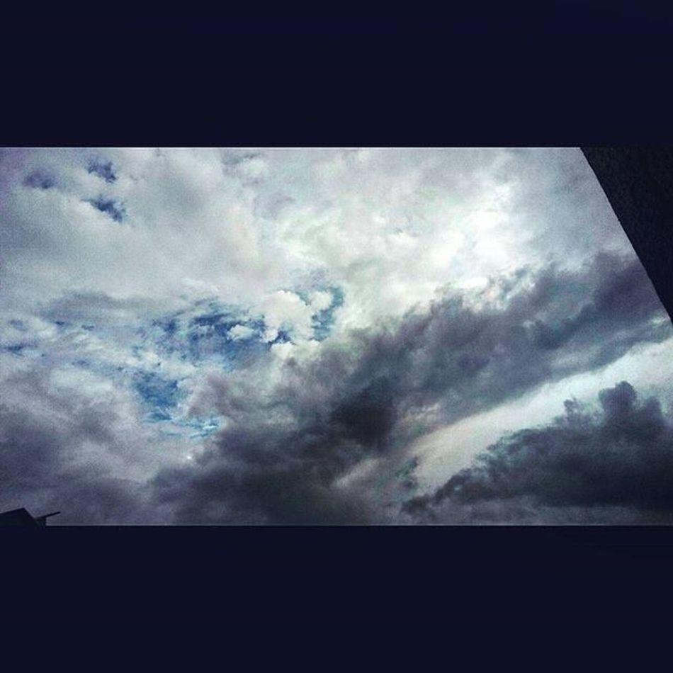 Clouds Mixture  Itsgonnarain Instapic Samsung E5 Instamood Beyondlens