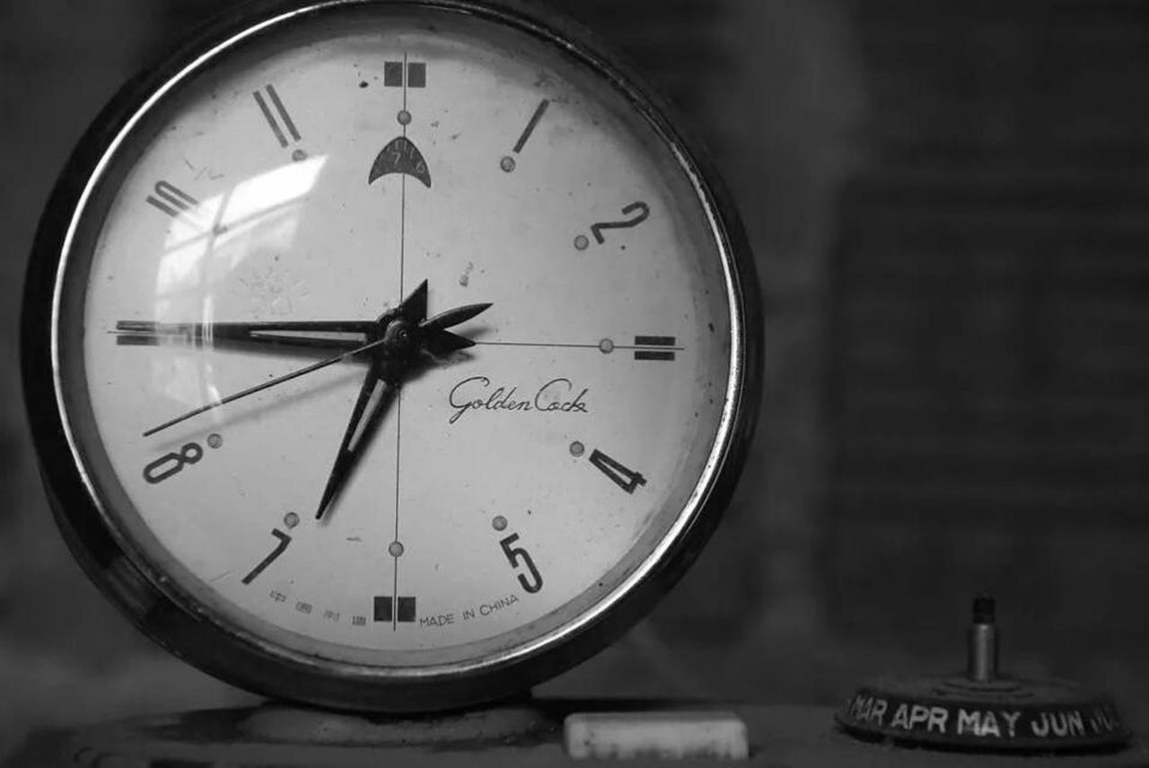 time, clock, minute hand, indoors, clock face, hour hand, close-up, old-fashioned, no people, watch, roman numeral, day