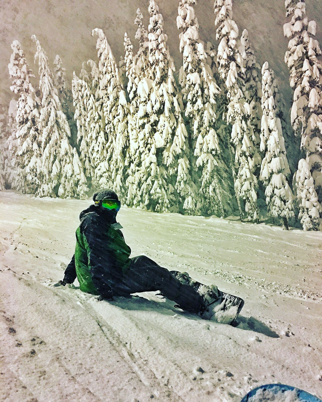 Snowboarding!!! Sitting Outdoors Skibowl Oregonexplored Snowboarding ❤ Snow ❄ Somuchfun ImHooked Love At First Ride