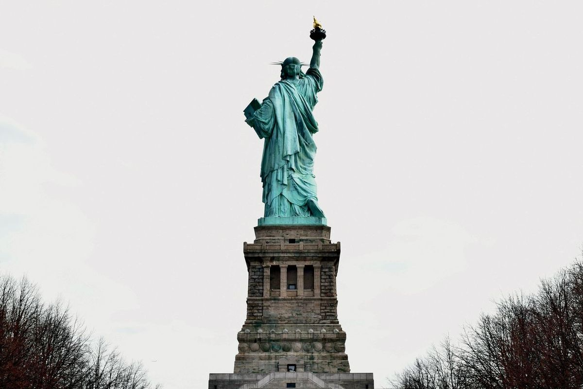 Statue Of Liberty Beautiful Check This Out Hello World EyeEm Best Shots Visual Thought Battle Of The Cities Architecture