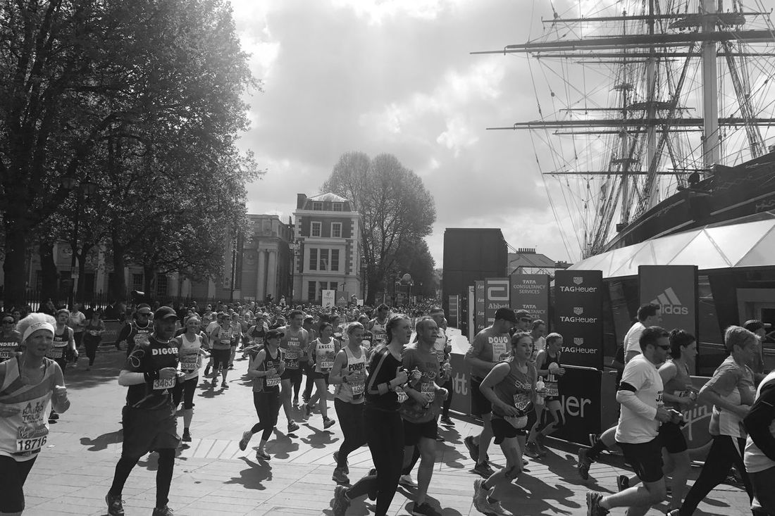 Cutty Sark - London Marathon 2017 Large Group Of People London London Marathon 2017 London Marathon Streetphotography Black And White