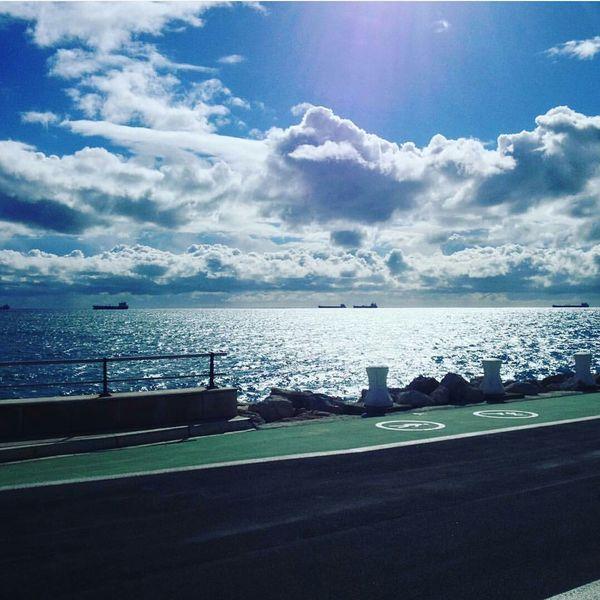 Sea Sea And Sky Clouds And Sea Sky Blue Sky Blue Sea Ships Pier Tarragona Tarragona, España Puerto