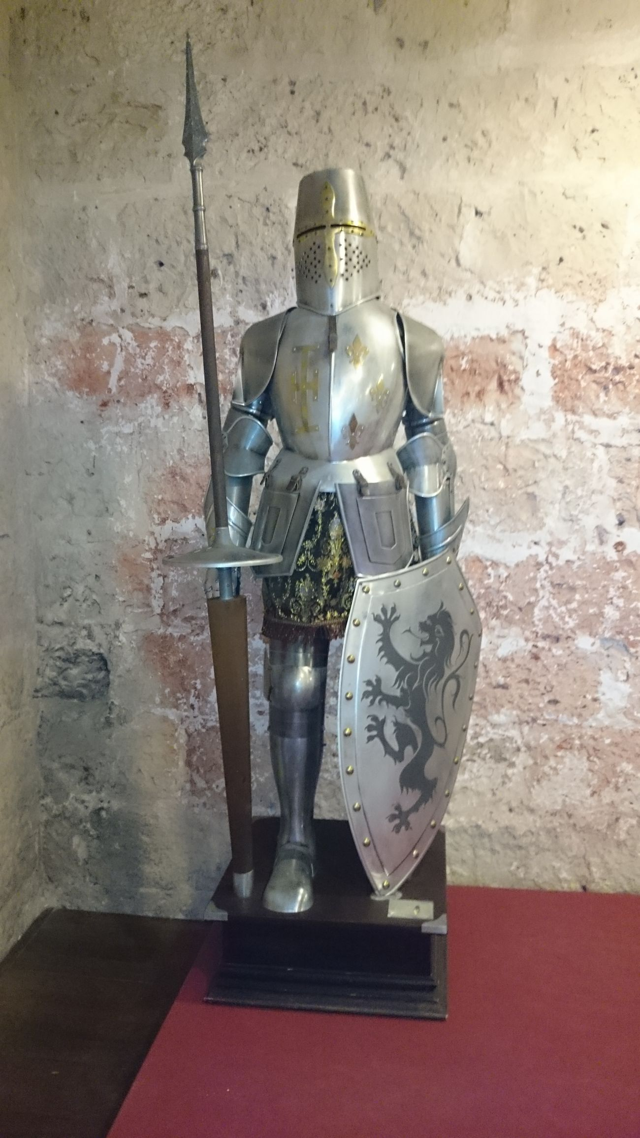 Otra Armadura Mediaval dentro del Castillo De Peñafiel