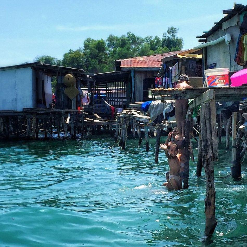 Bajau Laut Perkampungan Air Borneo Borneotrip Sabah Kotakinabalu awesome boy nature life