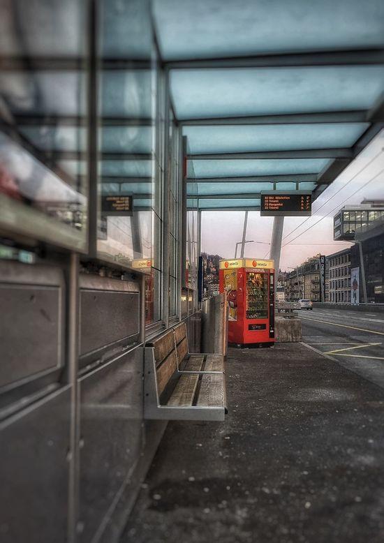 Bus Stop Vending Machine Am Schiffbau