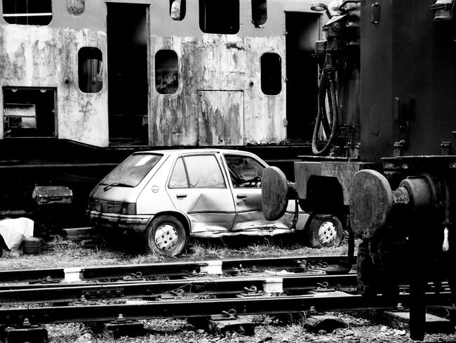 Taking Photos Relaxing Eye4photography  Taking Photos Northampton Black & White Trains Rusty Autos