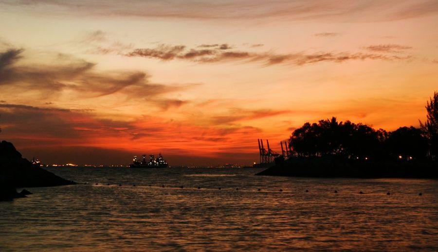 sunset Sea No People Dramatic Sky Cloud - Sky Outdoors 日落时分 落日