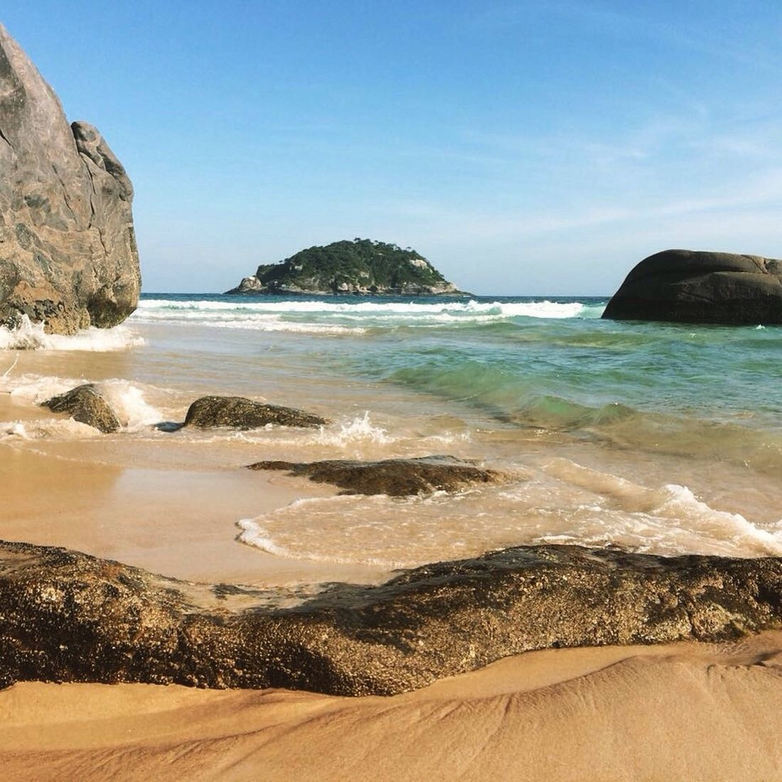 Sunlight Beach Sea Nature Horizon Over Water Sand Scenics Beauty In Nature Tranquil Scene Tranquility Water Sky Day No People Outdoors Rio De Janeiro Bestoftheday Best EyeEm Shot Rio De Janeiro Eyeem Fotos Collection⛵ O Rio De Janeiro Continua Lindo 🎶 Life Is A Beach
