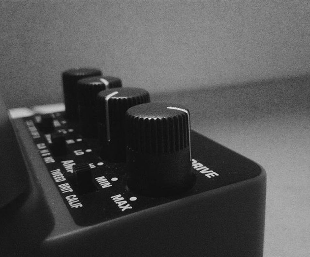 Nuevo pedal! :3 🎸🎶🎵🎸 Pedal Tubeampmodeler Efects BEHRINGER Guitar Guitarist Vscocamphotos Bnw VSCO Vscocam