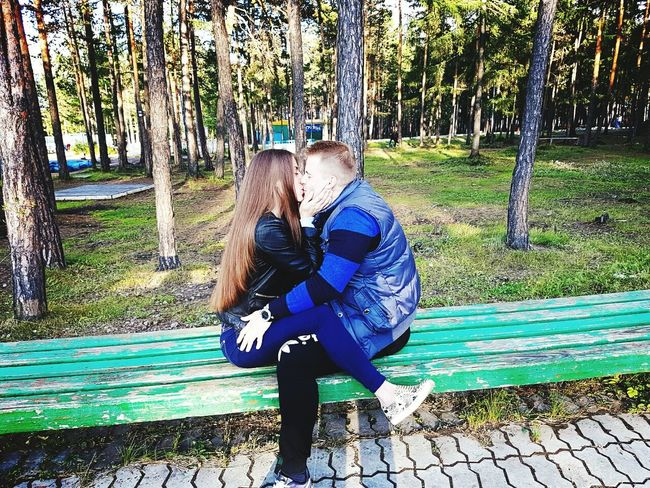Tree Full Length Relaxation Couple - Relationship Nature Tree Full Length Forest Casual Clothing Togetherness Sitting Lifestyles Couple - Relationship WoodLand Tree Trunk Relaxation Day Young Adult Tranquil Scene Person Nature Outdoors Vacations Non-urban Scene Footpath lover
