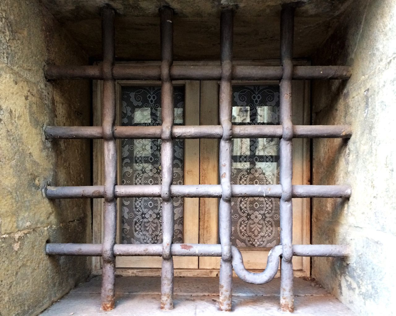 Built Structure No People Wood - Material Architecture Building Exterior Outdoors Close-up Iron - Metal Window Find The Beauty In The Ordinary Find The Difference Architecture Tuscany Stone Traveling Home For The Holidays Art Is Everywhere
