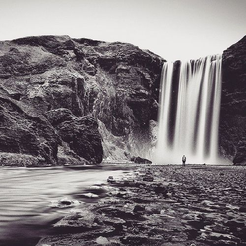 Skoagfoss in Iceland. This was a shot I wanted to take for a long time since I knew I was going to be in Iceland. I wanted to show the scale of the landscape and this was the ideal location. We got up at 5am to be sure we would have the place to ourselves. You have to pay here a visit! ------------ Exif Canon 1d mk3 Sigma 10-20mm F10, 100iso, 2 min ------------ Odonnellphotography amazing_longexpo igicelandnosquare igersmood ig_iceland discoverearth sengajaphoto iceland Skogafoss icelandic icelandtravel ig_great_shots everydayiceland waterfall mountain landscape scale size bw river canon_photos ig_iceland119 ig_icelandbw hu_le_nature