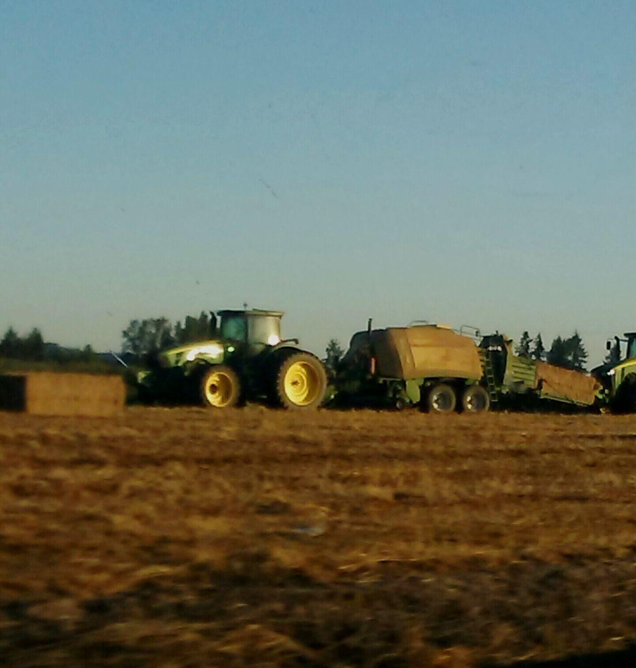 I Like My Own Pictures!✌😎 Johndeeregreen Johndeeretractor Tractorporn Photographing Oregon
