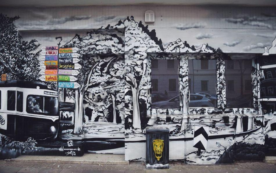 Von hier aus. Nikon Nikonphotography Nikontop Graffiti Graffiti Art Streetart Street Art Street Art/Graffiti Streetphotography Street Photography Street Style From Around The World Photography Check This Out Fresh On Eyeem  EyeEmBestPics EyeEm Best Edits EyeEm Best Shots Streetphoto_color Photooftheday Eye4photography  Graffiti No People Day Outdoors Close-up Art ArtWork Urban Art Is Everywhere