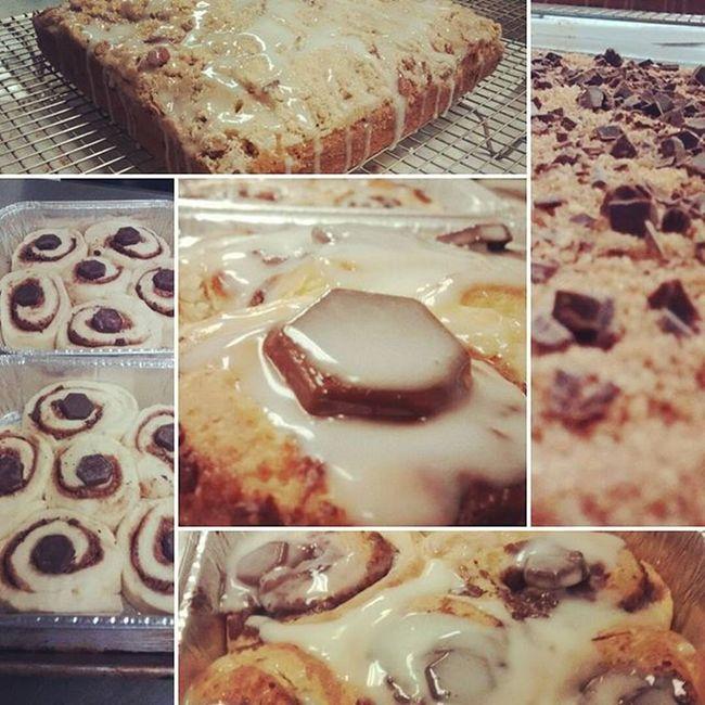 ~coffee cake & chocolate cinnamon rollz~ Whereitsat Baked Cinmamonrolls Coffeecake Suger Calinary Foodgasm Sweets Food Bakedgoods Cooking
