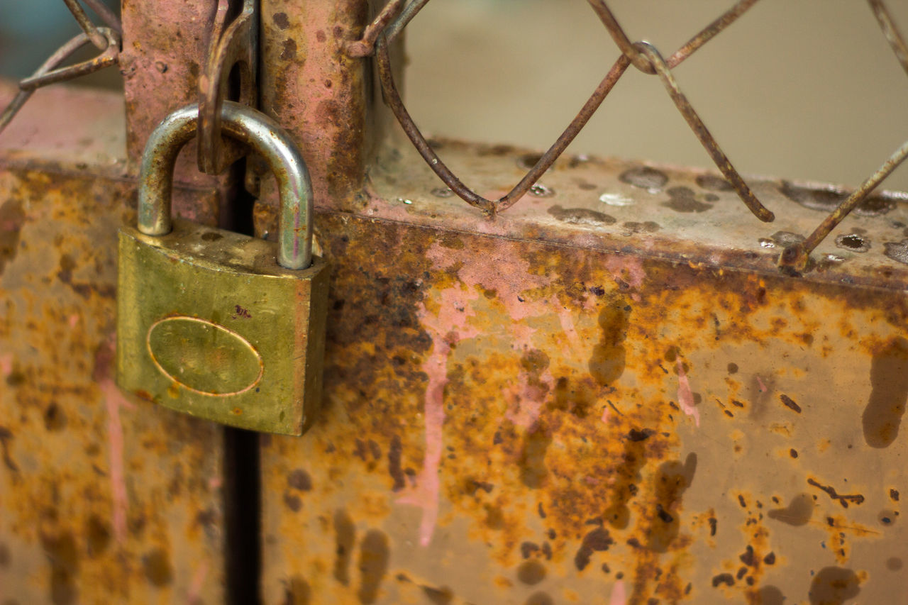 metal, padlock, lock, security, rusty, protection, safety, chain, close-up, no people, key, hanging, day, love lock, outdoors