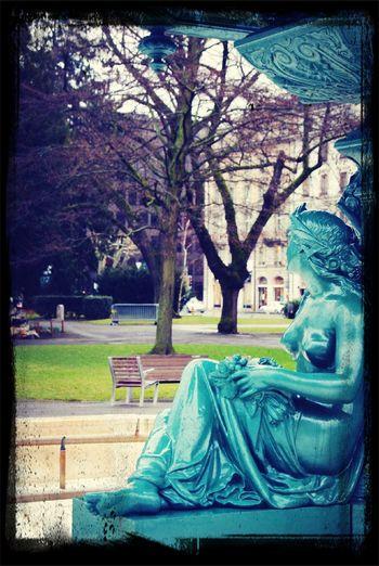 Waiting at Geneva Waiting