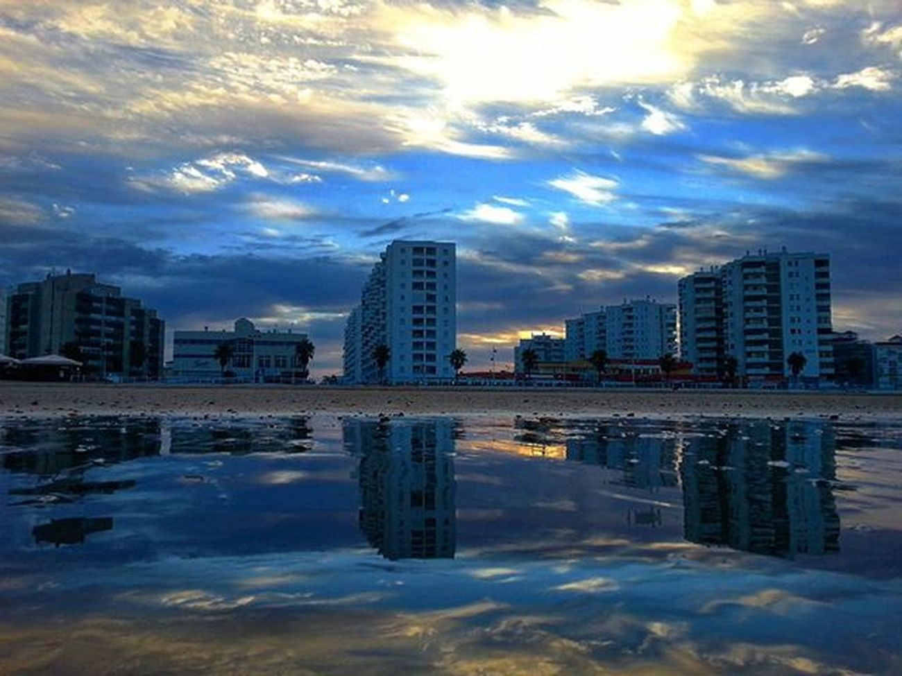 Reflejos del amanecer sobre la playa de Valdelagrana Elpuertodesantamaria Reflections Reflejos Clouds And Sky Enjoying Life Landscape_photography EyeEm Gallery Relaxing Sky Nubes Playa Your_worldcaptures Match_sky Total_sky Hdr_and_sunsets Loves_skyandsunsets Love_hdr_colour Cadizfornia Click_n_share