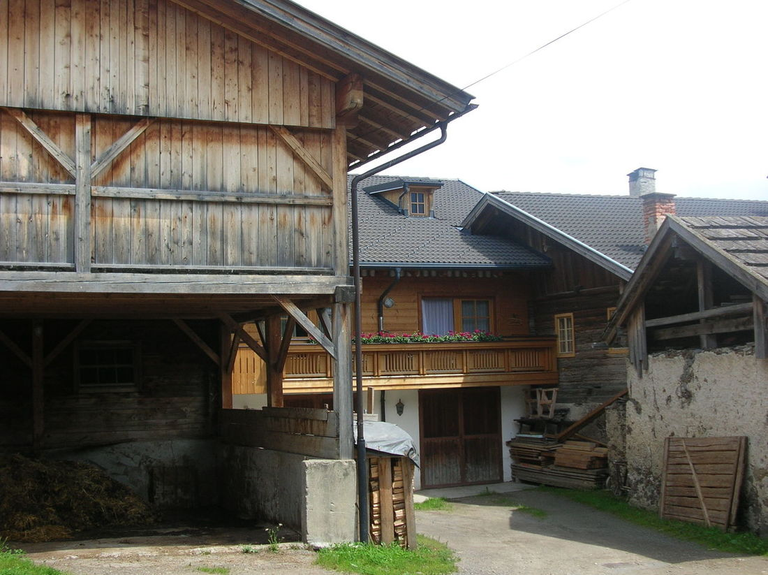 Obertillach, Austria, giugno 2007 Architecture Barn Built Structure Day No People Outdoors Sky Village Wood - Material