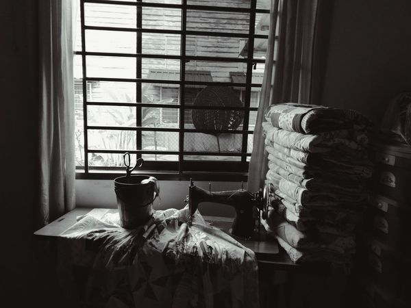 EyeEm Selects Indoors  Window Home Interior Domestic Room No People Sunlight Old-fashioned Day Living Room Old Sewing Machine Sewing Blankets Hand Make Love Handmaker HaweiP9 Black And White Photography