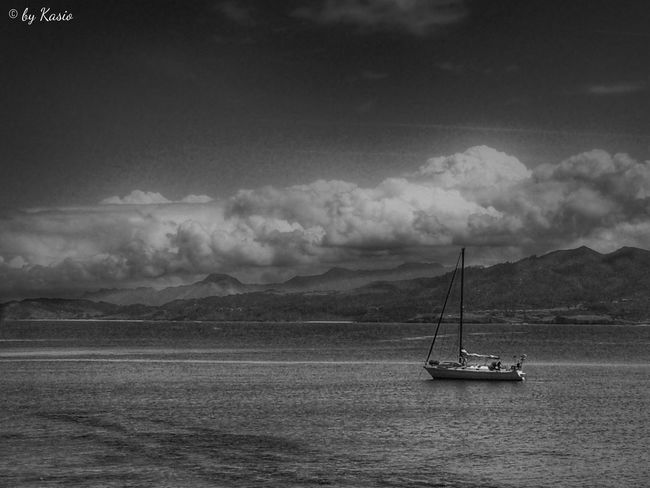 Quédate en mi, te ofrezco un alma en decepciones concebida, que con tu amor has transformado en una casa de alegría. EyeEm Best Shots Eye4photography  Hdr_Collection OpenEdit EyeEm Best Edits Sky Collection Landscape_Collection Water_collection Bw_collection Taking Photos