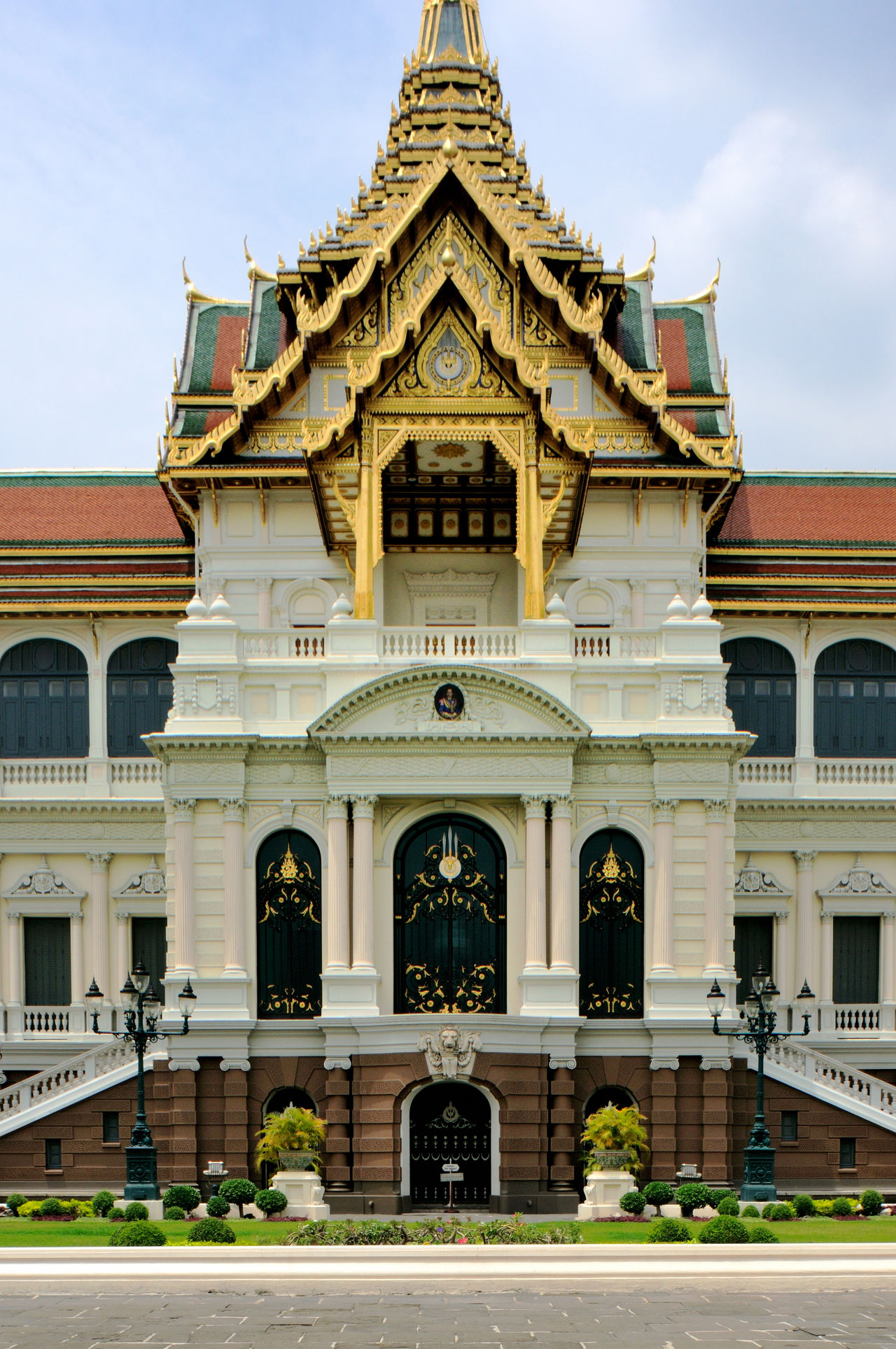 Architecture Building Exterior Built Structure Capital Cities  Façade Famous Place Geometry Grand Palace Bangkok Thailand History International Landmark Place Of Worship Religion Spirituality Symmetry Tourism Travel Destinations
