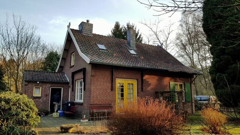 Hanging Out Taking Photos Relaxing Enjoying Life Chilling Photography Cozy Place Cozy House Old House Houses And Windows Dutch House Dutch Countyside Limburg Arcen Stay Over Architecture Brick Building Greenery Netherlands Holland