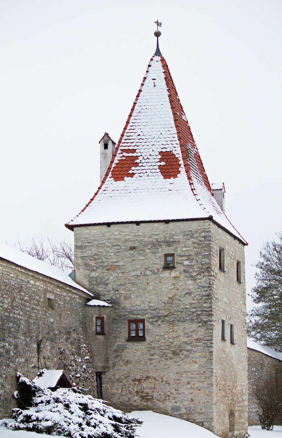 Bayern Berching Castle City Wall Cold Temperature Invierno Nieve No People Oberpfalz Outdoors Por La Nieve Roof Schnee Snow Snowed In Snowing Stadtmauer Torre Tower Turm Weiss White Winter