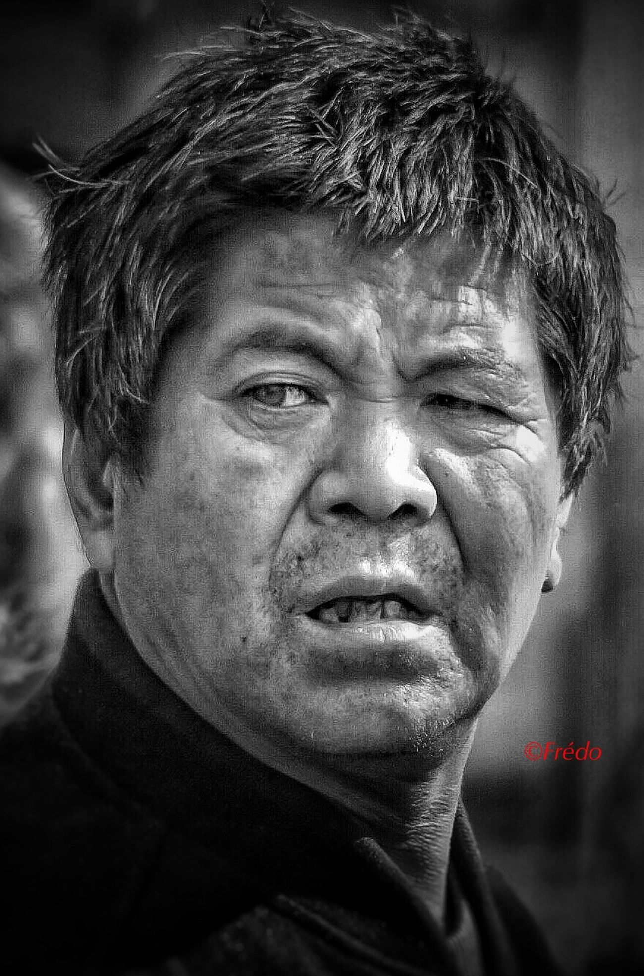 Gros plan 4772333 Close-up Portrait Photography Beijing, China Street Life Street Photos😄📷🏫⛪🚒🚐🚲⚠ Black And White Photography BEIJING北京CHINA中国BEAUTY EyeminInChina Eyeemphotography Streetphoto Photooftheday Streetphotography EyeEm Best Shots Street Photography Street Photo Eyem Gallery China In My Eyes Black & White