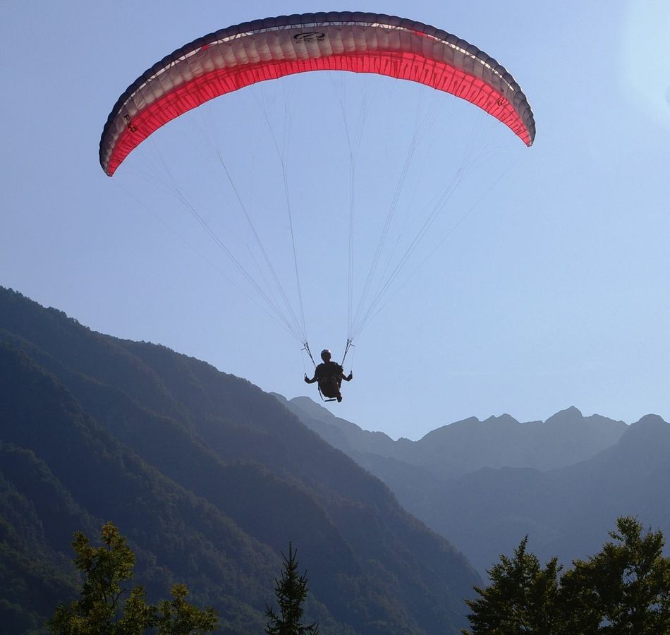 Adventure Extreme Sports Flying Mountain Parachute Paratrooper Sport
